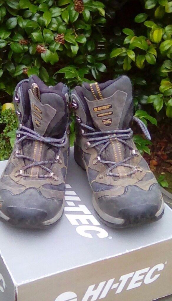 Mens Hi-Tec walking boots