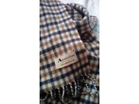 Aquascutum scarf 100% lambswool bought for £95 only been worn a handfull of times 100% real