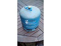 camping gas bottle quarter full