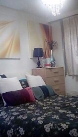 Short let double room available now close to city centre £195