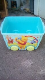 Toy storage container on wheels