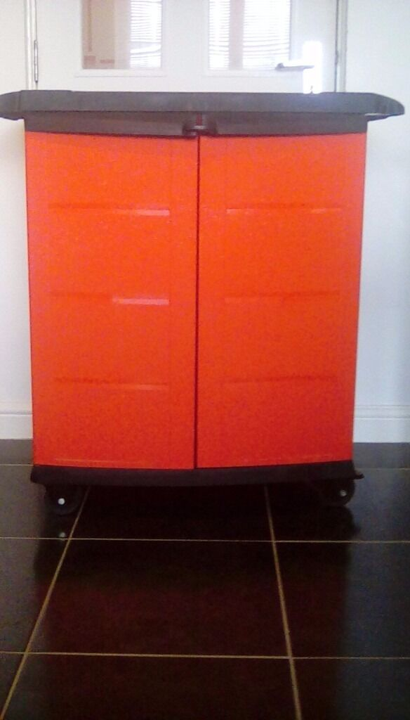 Black And Decker Tool Cabinet On Wheels