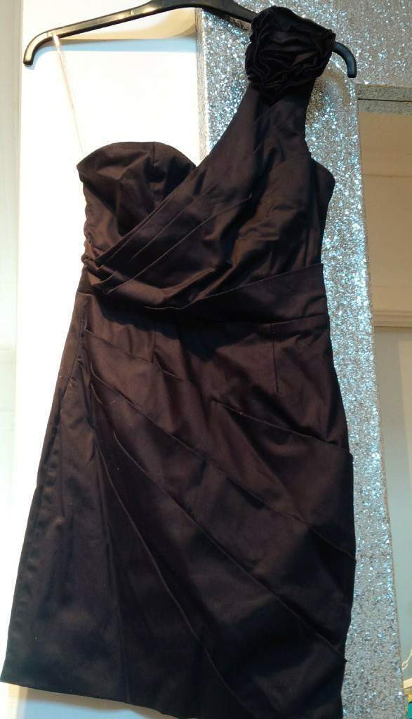 black lipsy dressin Erskine, RenfrewshireGumtree - Black lipsy dress Size 6/8 Only worn once In good condition £15.. if interested text cheryl..07807415960