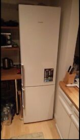 A+++ Siemens tall fridge freezer 60/40 great condition (Capacity: 339 litres)