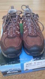 MEINDL Women's Barcelona Goretex Walking Shoe
