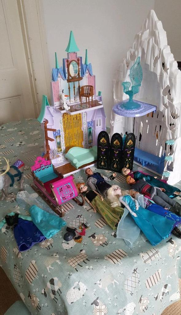 Frozen castle and dolls *Great Xmas Present*