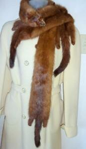 Vintage FUR MINK WRAP COLLAR STOLE // EXCELLENT CONDITION // 3 whole minks // RETRO SCARF for your coat or jacket