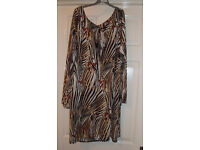YOURS, BEAUTIFUL BRAND NEW WITH TAGS DRESS SIZE 22/24