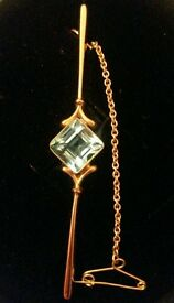 9ct Yellow Gold Vintage Blue Topaz Brooch With Safety Chain 7cm Long, 3.1 grams - Stunning Piece