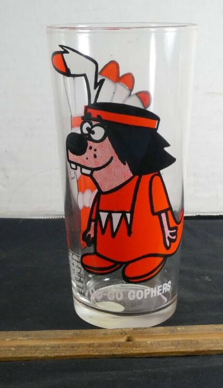 VINTAGE Go - Go Gophers Pepsi Glass Collector Series !!
