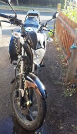 Honda CB 125 F - Scratched and Cracked Fairing - Runs well