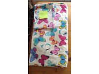 King size butterflies pattern duvet cover and two matching pillowcases