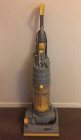 Dyson DC04 Vacuum Cleaner - working / no tools