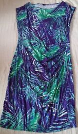 Ladies Patterned Dress Size 16