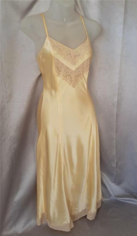PIN-UP Vintage 1940s LACY SATIN NEGELIGEE NIGHTGOWN SLIP -  S / M