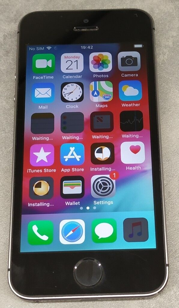 599caf74082 Apple iPhone 5s - 64GB - Space Grey (Unlocked) A1457 (ME338J A) - Good  condition