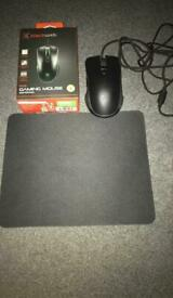 Black Web Gaming Mouse and pad
