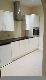 2 BED FLAT - TO LET