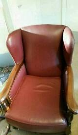 Tow 1935 leather arm chairs kig & queen
