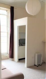Clifton large studio bedsit £115pw - great 1st floor front room