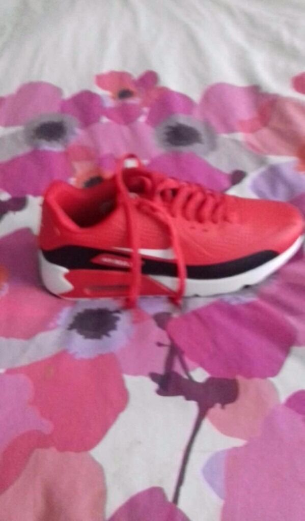 mens trainers new with box