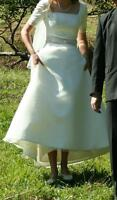 Simple Elegant Off-white / Ivory Wedding Dress