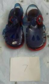 Childs size 7