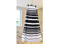 Beautiful new black and white evening skirt by Xscape Size 8 (UK)