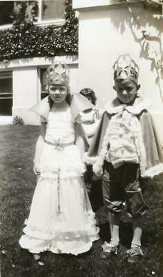 R989 Vtg Photo KING AND QUEEN, CHILDREN COSTUMES c 1930