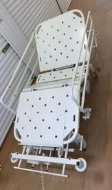 Hospital Bed Electrical Adjustable Medical Care Home Bed Used (ARJO HUNTLEIGH CONTOURA 1080)