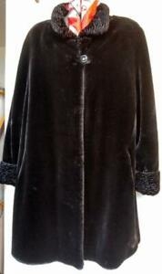 XL 16 18 20 1X Black Faux Fur Swing Coat Very warm Womens Plus size Thick & fluffy Mint Novelti Nearly New Winter 48