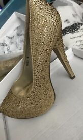Beautiful gold shoes with gold diamonties