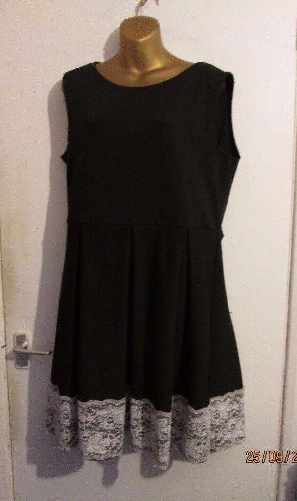Black Shift Dress With Lace Trim At Bottom Size 20 By Boohoo Party