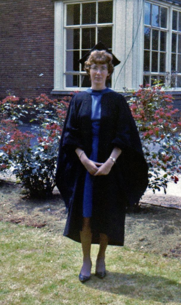 Graduation Gown BA University of Reading and soft Cap   in ...