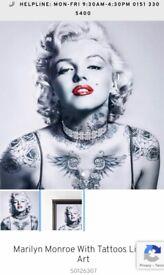 Taskers Marilyn Monroe