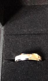 9ct White gold band/ring with 3 diamonds