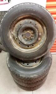 (H189) Pneus Hiver - Winter Tires 215-70-16 Toyo