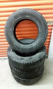 (H135) Pneus Hiver - Winter Tires 255-70-18 Bridgestone
