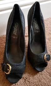 Black high heels - Size 6