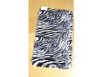 Soft Anti Slip Rug Animal Zebra Print Rug Carpet Mat 65 x 110cm Black/White
