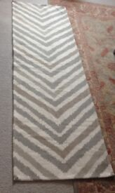Washable cotton chevron rug