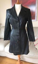 Vintage Italian real leather black coat. Size 8/10.