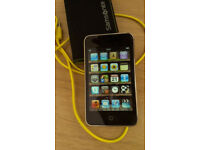 Apple iPod touch 4th Generation WiFi iTunes with Apps/ Games great condition