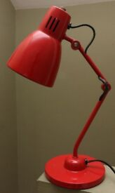 Small desk light, ideal child's room. Good condition