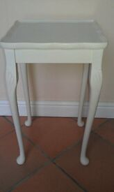 PAINTED SMALL RECTANGLE COFFEE/END/SIDE TABLE PIE CRUST EDGE