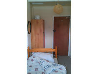 LOVELY SINGLE ROOM IN QUIET SHARED HOUSE AVAILABLE TO RENT, ALL BILLS & FAST INTERNET INCLUDED