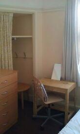 Nice single room in Hendon central
