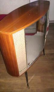 MID CENTURY TV SHELL - USE FOR FISH TANK OR DIARAMA Mermaid Beach Gold Coast City Preview