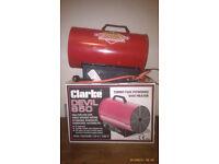 WORKSHOP or GARAGE HEATER - CLARKE DEVIL 850 - turbo fan powered gas heater.