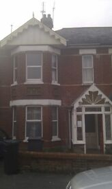 6 bed student house Winton. Walking distance to shops and university .